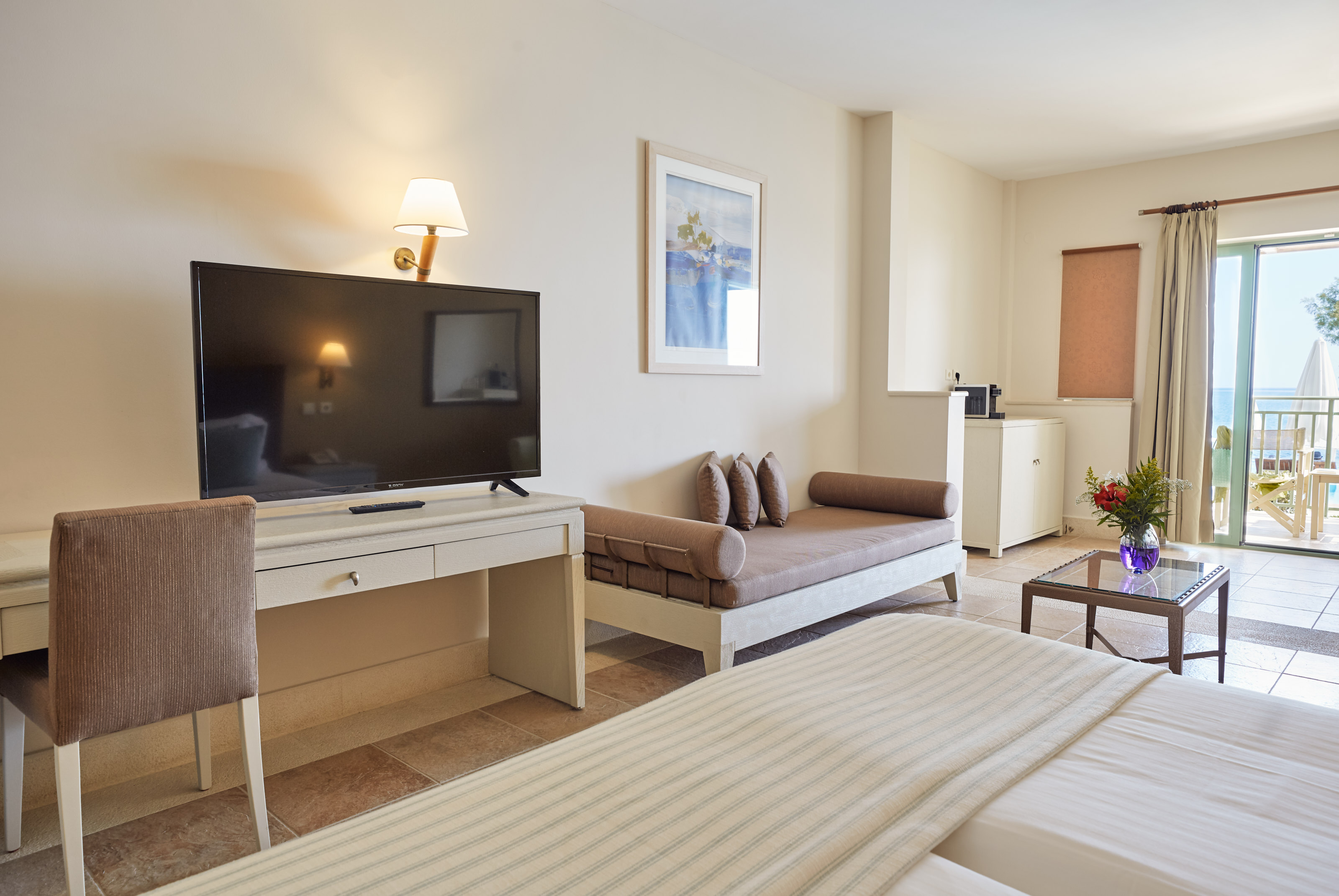 6.1 Sea Front Junior Suite Direct Pool - Indoors 2